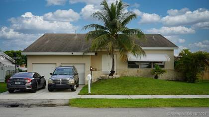Residential Property for sale in 9820 SW 19th St, Miami, FL, 33165