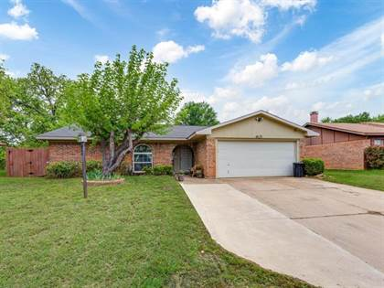Residential Property for sale in 4620 Parkwood Drive, Forest Hill, TX, 76140