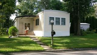 Residential Property for sale in 1661 Old Country Rd, Riverhead, NY, 11901