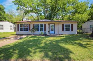 Single Family for sale in 933 Indian Hills Drive, Grand Prairie, TX, 75051