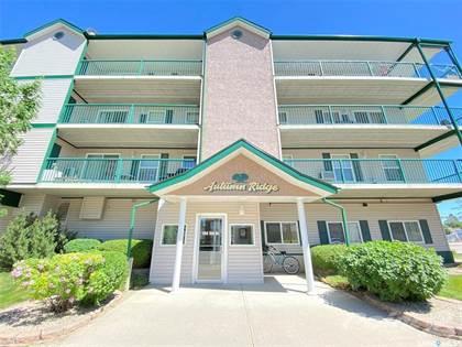 Condominium for sale in 104 5th STREET 402, Weyburn, Saskatchewan, S4H 0Z1