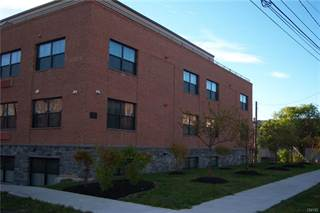 Apartment for rent in 721 North Clinton Street, Syracuse, NY, 13204