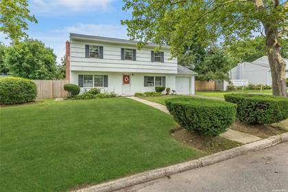 Residential Property for sale in 13 Stuyvesant Street, Greenlawn, NY, 11743