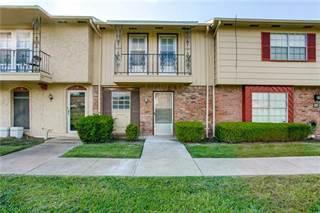 Townhouse for sale in 68 E Mountain Creek Drive 18, Grand Prairie, TX, 75052