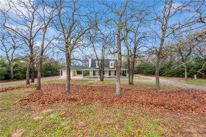 Residential Property for sale in 196 Woodland Drive, Hearne, TX, 77859