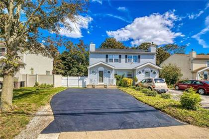 Residential Property for sale in 261 N 3rd Avenue, Bay Shore, NY, 11706