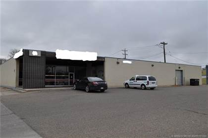 Commercial for rent in 760 3 Street SE, Medicine Hat, Alberta, T1A 2X7