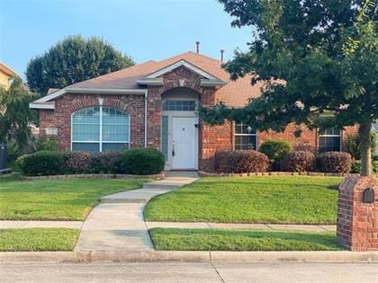 Residential for sale in 1200 Mertis Drive, Arlington, TX, 76002
