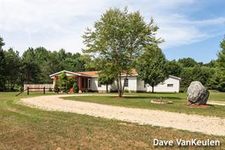 Single Family for sale in 10660 Pinewood Trail, Carson City, MI, 48811