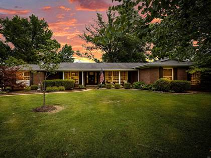 Residential Property for sale in 334 Elmcrest Drive, Ballwin, MO, 63011