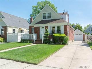 Single Family For Rent In 8231 266th St Floral Park NY 11004
