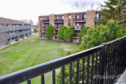 Condominium for sale in 802B Kingsmere BOULEVARD 303, Saskatoon, Saskatchewan, S7J 4B7