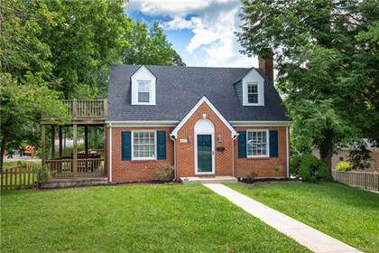 Residential Property for sale in 400 Fourth Avenue, Farmville, VA, 23901
