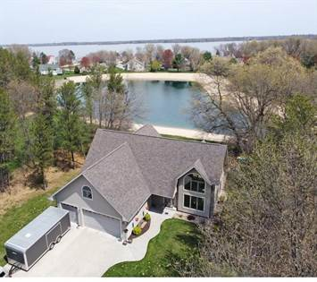 Residential Property for sale in W5150 S Osprey Dr, New Lisbon, WI, 53950