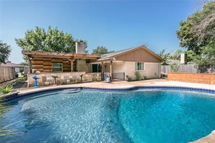 Residential for sale in 2107 Avalon Lane, Arlington, TX, 76014