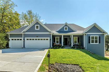 Residential Property for sale in 2950 Ozark Drive, Des Peres, MO, 63122