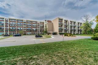 Condo for sale in 1050 Stainton Dr 325, Mississauga, Ontario, L5C2T7