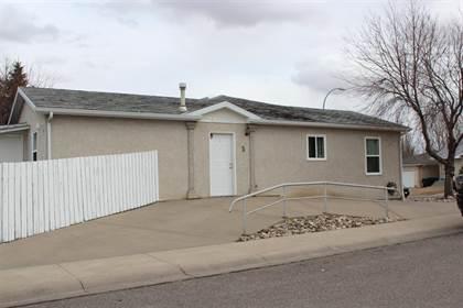 Residential Property for sale in 3 Chilcotin Crescent W, Lethbridge, Alberta, T1K 7G9