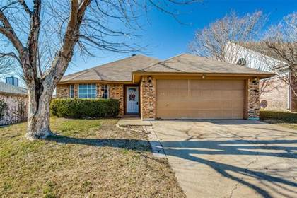 Residential for sale in 416 Deauville Drive, Fort Worth, TX, 76108