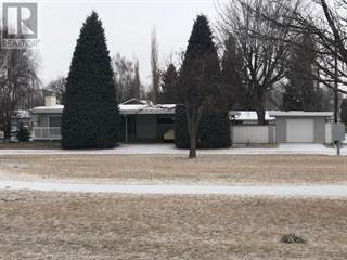 Single Family for sale in 2001 20 Avenue S, Lethbridge, Alberta, T1K1G4