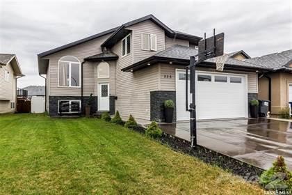 For Sale: 335 Allwood CRESCENT, Saskatoon, Saskatchewan, S7R 0A5 - More on  POINT2HOMES com