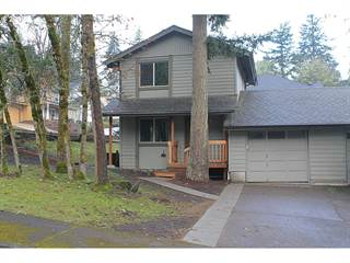 Multi-family Home for sale in 994 S 69TH PL, Springfield, OR, 97478