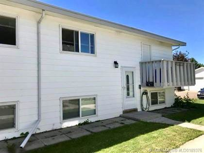 Condominium for sale in 2402 23 Street N 4, Lethbridge, Alberta, T1H 4R7