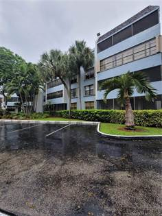 Residential Property for sale in 10852 SW 88th St 401, Miami, FL, 33176