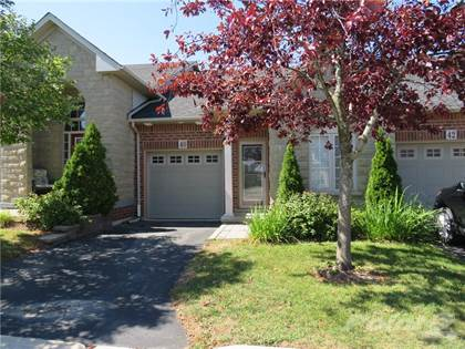 Condominium for sale in 40 MANITOULIN Trail, Glanbrook, Ontario, L9B 2X8