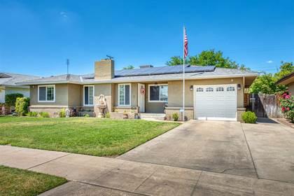 Residential for sale in 4025 E Dayton Avenue, Fresno, CA, 93722