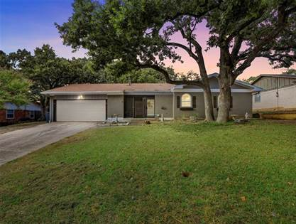 Residential for sale in 2007 Warwick Drive, Arlington, TX, 76015