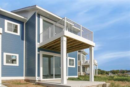 Residential for sale in 139 Joslin Cove Drive, Manistee, MI, 49660