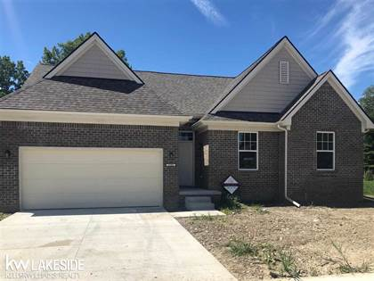 Residential Property for sale in 29368 Bayside Circle South, Chesterfield, MI, 48047