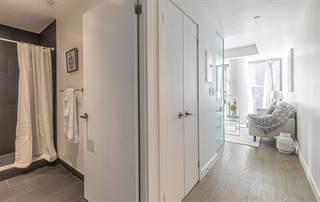 Condominium for sale in 111 Bathurst St 901, Toronto, Ontario, M5V2R1