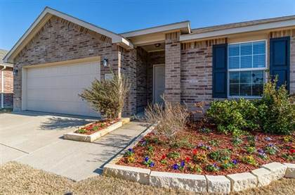 Residential for sale in 704 Underhill Drive, Arlington, TX, 76002