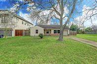 Residential Property for rent in 4627 Maple Street, Bellaire, TX, 77401