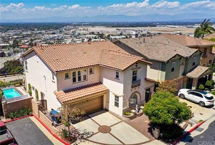Residential Property for sale in 2239 Starlight Lane, Signal Hill, CA, 90755
