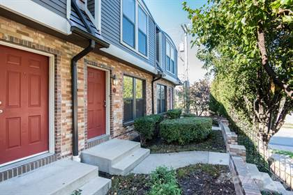Apartment for rent in The Town-Homes at 4000 Oak Street, Kansas City, MO, 64111