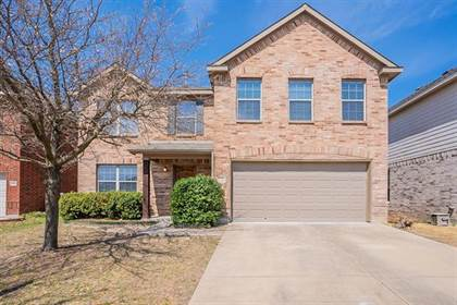 Residential for sale in 10404 Sixpence Lane, Fort Worth, TX, 76108