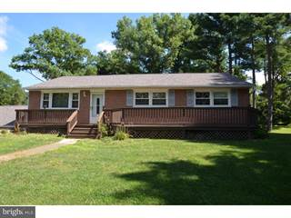 Single Family For Sale In 1617 LENNI DRIVE, West Chester, PA, 19382