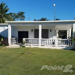 Residential Property for sale in Spacious 4 bed 2 bath single-level concrete home on ½ acre plot just outside of downtown Corozal, Corozal Town, Corozal District