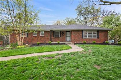 Residential Property for sale in 6530 NW Sweetbriar Lane, Kansas City, MO, 64151