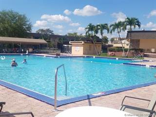 Condo for sale in 120 Essex Road 235, Hollywood, FL, 33024