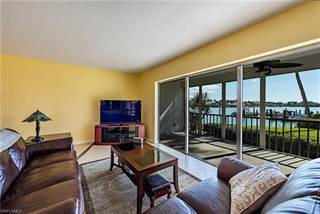 Condo for sale in 222 Harbour DR 102, Naples, FL, 34103