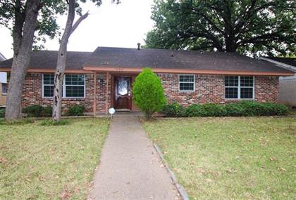 Residential for sale in 10367 Muskogee Drive, Dallas, TX, 75217