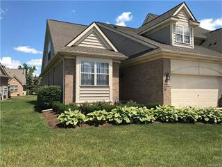 Condo for sale in 32924 BROOKSIDE Circle, Livonia, MI, 48152