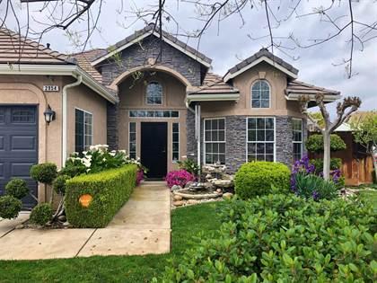 Residential for sale in 2954 E Brandon Lane Lane, Fresno, CA, 93720
