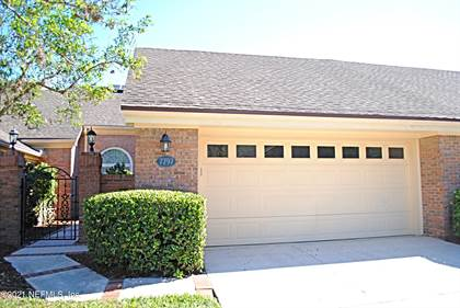 Condo/Townhome for sale in 7797 DEERWOOD POINT CT, Jacksonville, FL, 32256