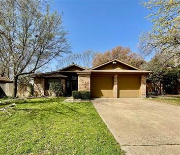 Residential for sale in 6216 Mercedes Drive, Arlington, TX, 76001