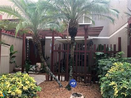 Residential Property for sale in 11130 S Lakeview Dr, Pembroke Pines, FL, 33026